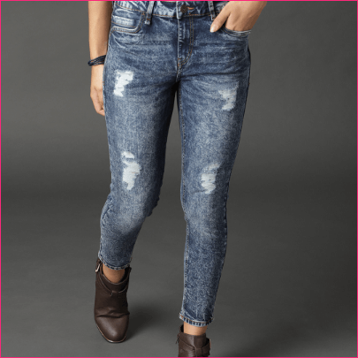 Women Blue Skinny Fit Mid-Rise Mildly Distressed Stretchable Acid Wash Crop Jeans